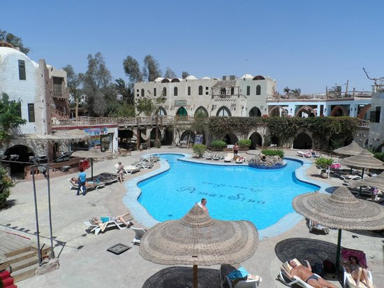 Amar Sina Village: hotel and pool view