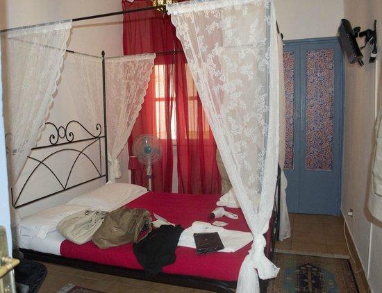 Meltin' Rome Guesthouse: Camera standard con bagno in comune