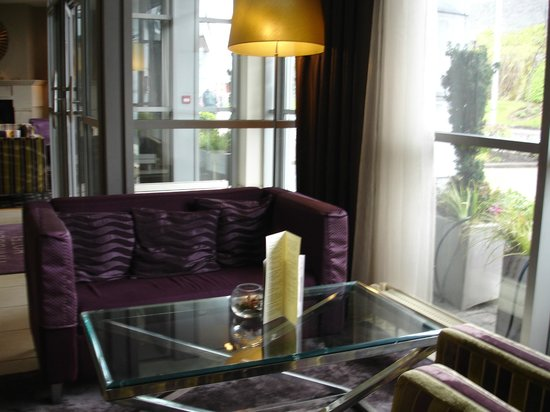 Harbour Hotel Galway: Waiting or gathering place near lobby