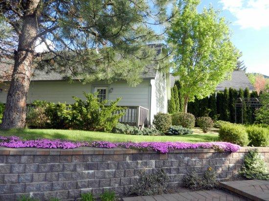 La Maison sur le Hill : Carriage House Cottage Garden