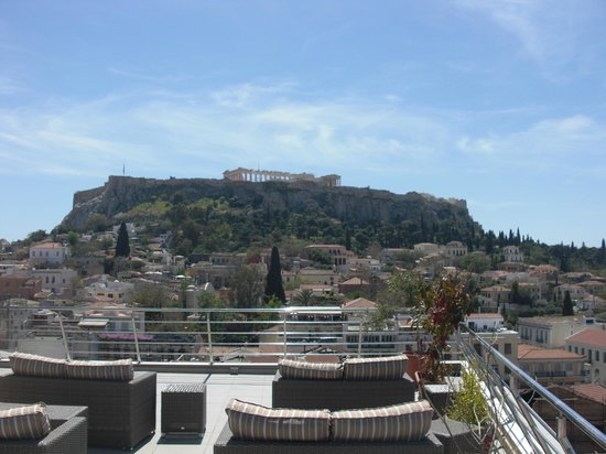 Plaka Hotel: The Acropolis from the roof lounge