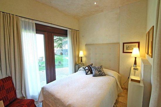 Castrum di Serravalle : Camera suite del giardino