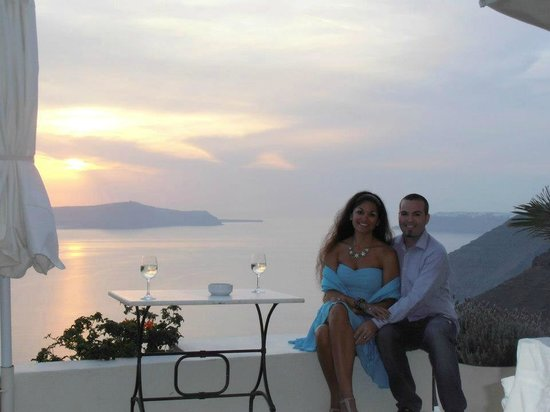 Enigma Apartments & Suites : Breathtaking sunsets!