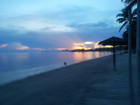 Hansa Beach Resort: Every picture of the sunset look great there