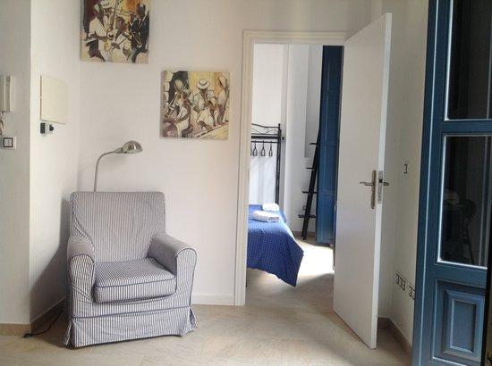 Orange Rooms: Lounge chair