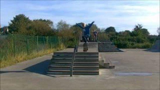 The Hut: skate park