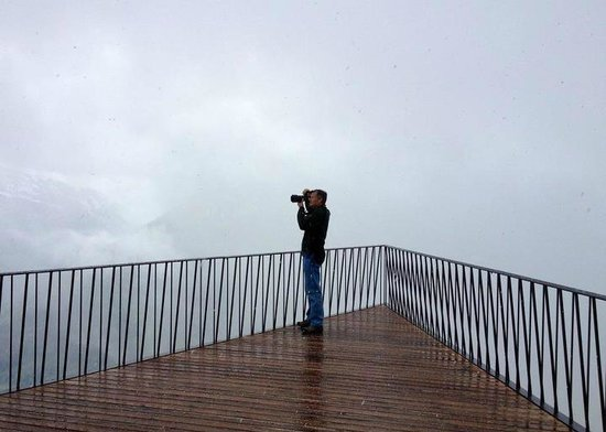 Harder Kulm: Trying to take pictures before the storm