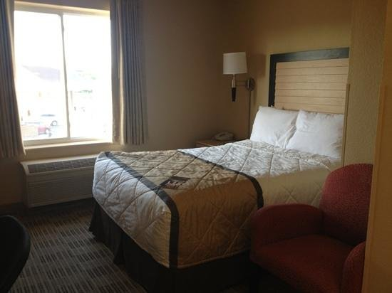 Extended Stay America - Cincinnati - Blue Ash - Reagan Highway: bed