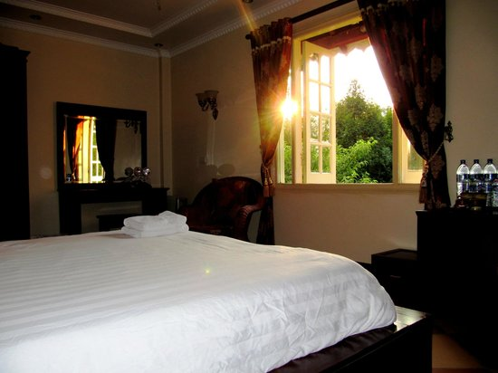 Sapa Garden Bed and Breakfast: Sunset in Moutain room