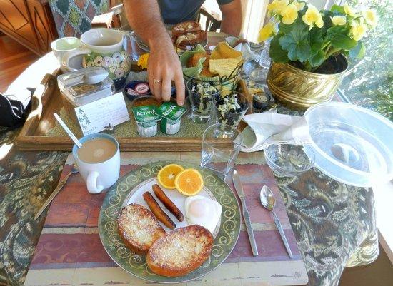 Soames Point Oceanfront Suite: Breakfast