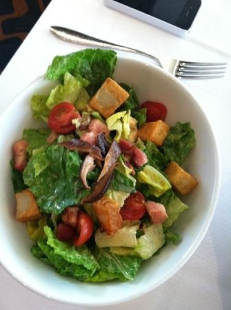 Mike Shannon's Steaks & Seafood: Salad