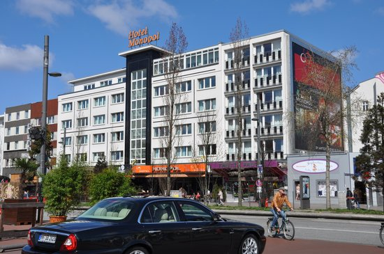 Hotel Monopol: Full view of the Hotel