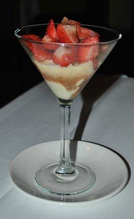 Windjammer: Peppered strawberry Flambe