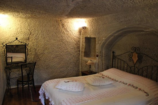 Divan Cave House: Bed Room
