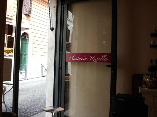 Hostaria Rasella: Puerta