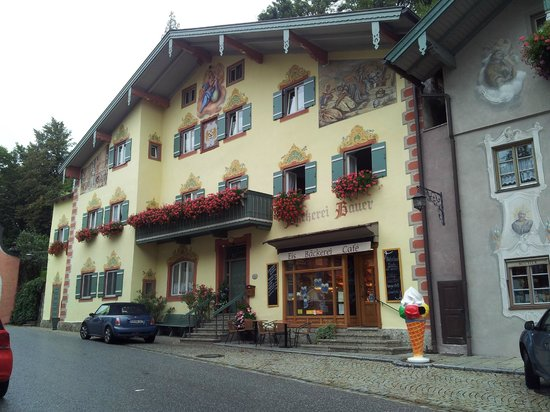 Burgdacherl
