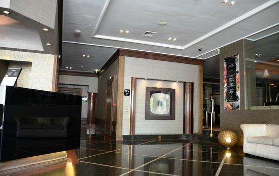 Hotel Real Parque: La reception