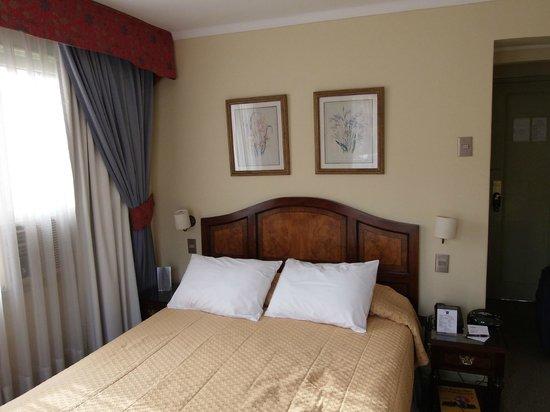 Los Espanoles Hotel: Cama