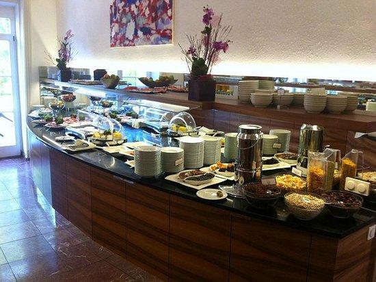 ARCOTEL Castellani: Frühstücksbuffet