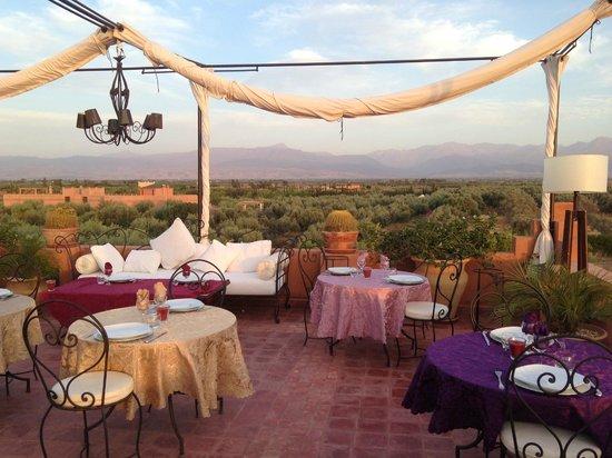 Riad Al Mendili Kasbah: le dîner sur la terrasse : un moment exceptionnel