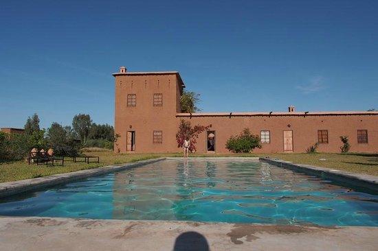 Dar Tasmayoun: Une piscine plus grande qu'il n'y parait