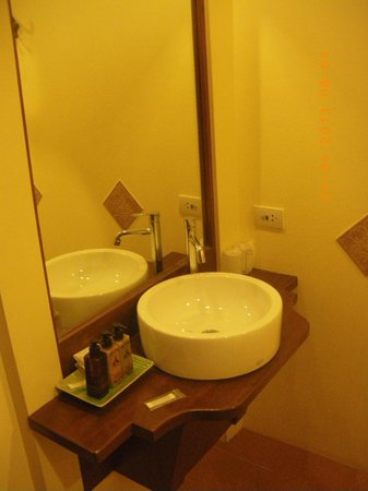 Baan U Sabai Boutique House : Baño, lavabo