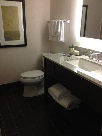 DoubleTree by Hilton - Washington DC - Crystal City: Add a caption