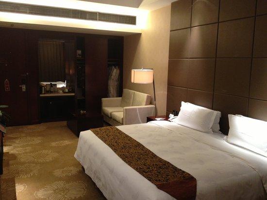 Intercity Hotel: room view 2