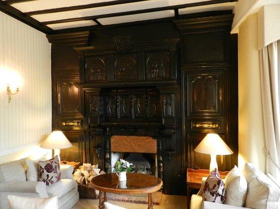 Longueville Manor: A lounge area