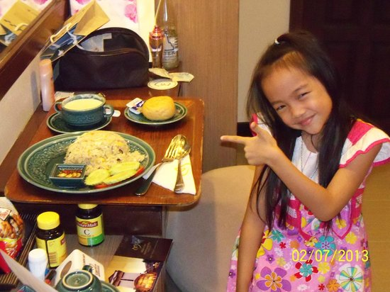 Maninarakorn Hotel: Daughter with her favorite thing 'Room Service Food""