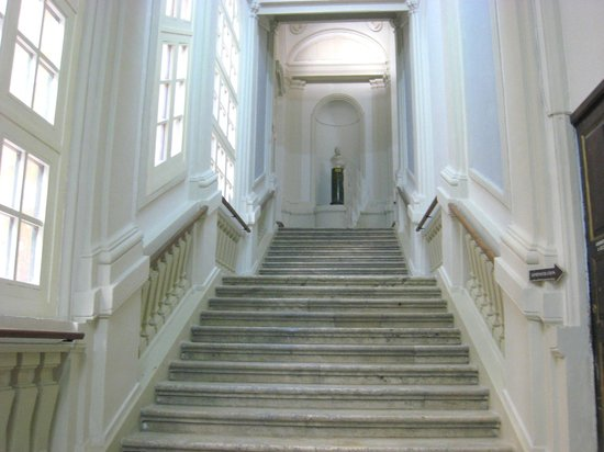 National Library of Malta: Grand stairway