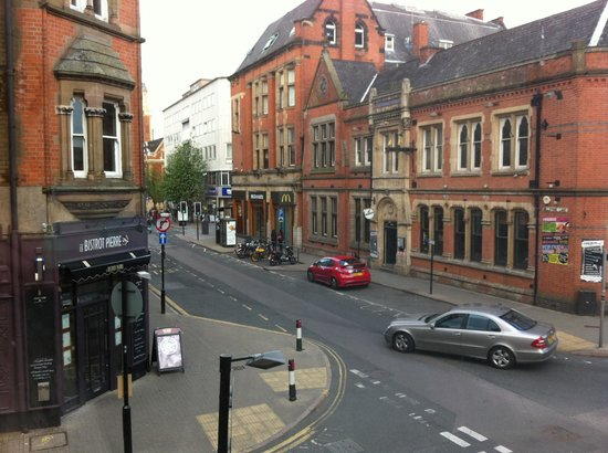 Castle Park Hotel : The view of the street below and nice French restaurant next door