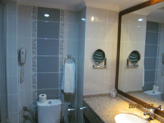 Dabaklar Hotel: Bathroom