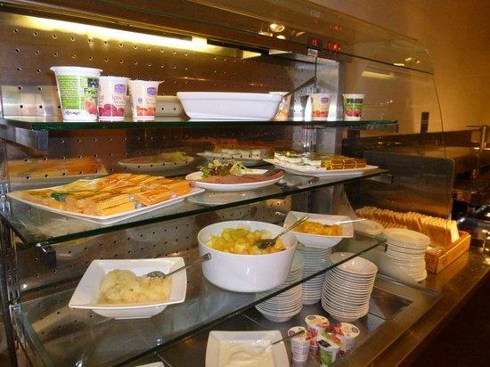 Holiday Inn Kenilworth - Warwick: Breakfast