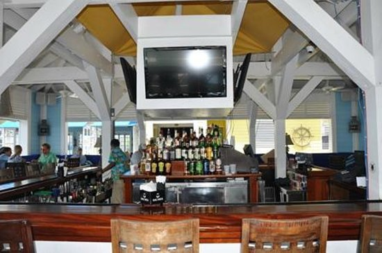 valentines resort and marina the rooster tail bar