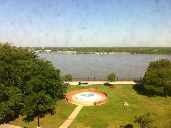 Natchez Grand Hotel: View from our Room
