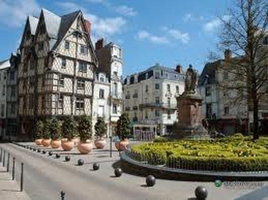 Hôtel Des Plantes : Add a caption