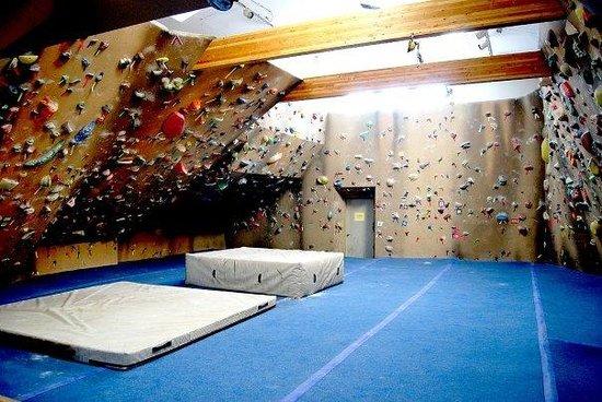 Spire Climbing Center: Bouldering Room