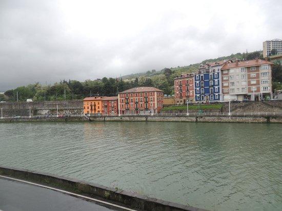 Hostal Ria de Bilbao: Vue de la chambre 101