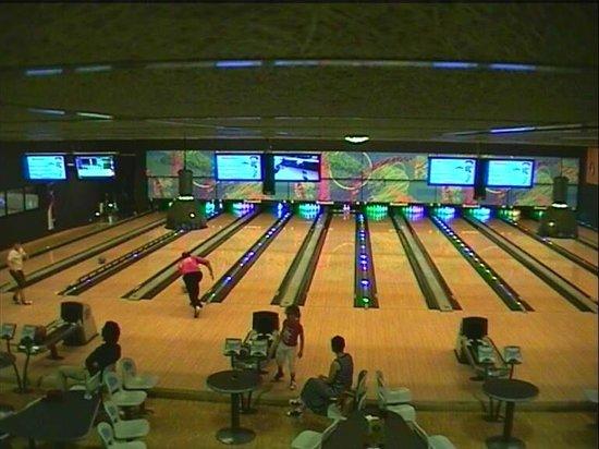 Bowling bul saint quentin les avis sur bowling bul for Piscine la bulle saint quentin
