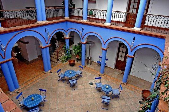 بارادور سانتا ماريا لا ريال: Patio Azul