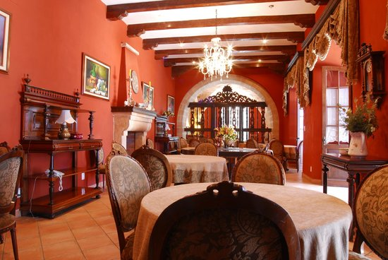 Parador Santa Maria la Real: Comedor / Breakfast and Dining Room