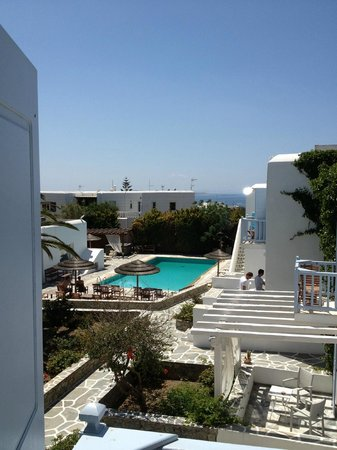 Aeolos Mykonos Hotel: View from room in older hotel