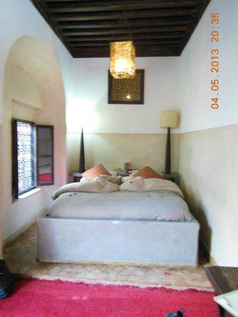 Riad Dar Bamileke: Schlafzimmer