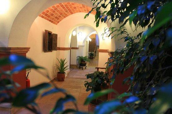 Parador Santa Maria la Real: Pasillo / Corridor
