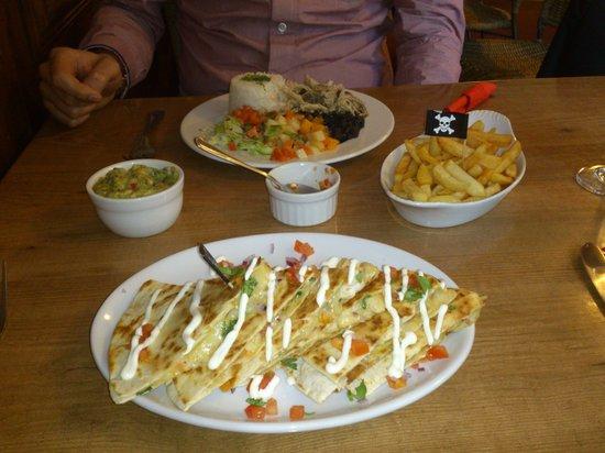 RomeroJo's: quesadillas and casado