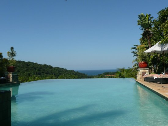 Fairmont Zimbali Lodge: Infinity pool at hotel