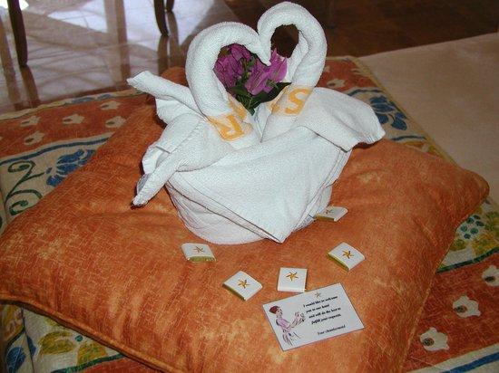 Iberostar Quetzal Playacar: Asi nos encontrabamos la habitación luego de la limpieza