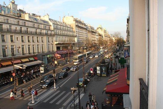 TRYP Paris Opera Hotel: Vista do quarto
