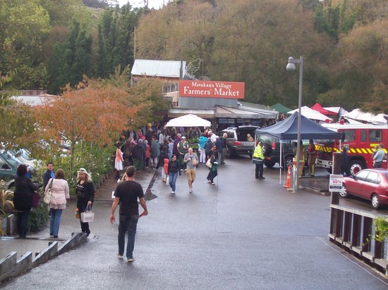 Matakana Village: matakana market entrance